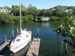 Newly renovation bay side cottage: Sea Breeze, Anna Maria