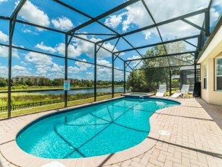 Windsor Hills Orlando Lakefront Villa