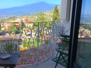 TAORMINA CASA MARGOT Etna + Sea View Balcony