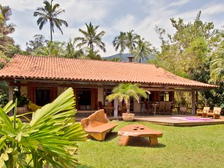 beach house with panoramic views, Ilhabela