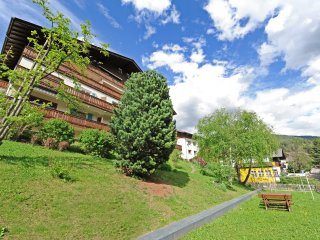111 - Apartments Valverda - Three-bedroom Apartmen, Ortisei (St. Ulrich in Groeden)