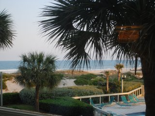 Beautiful Modern Ocean Front 1 BR Condo on Amelia, Fernandina Beach