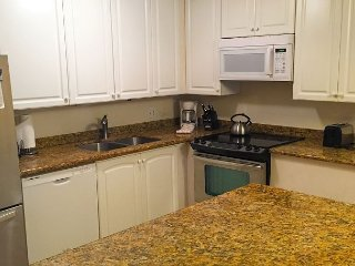 Ground Floor 3-Bedroom Condo with A/C Throughout--Perfect for Families!, Kihei