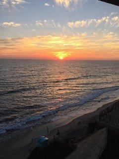 Provides Breathtaking Ocean Sunsets Views