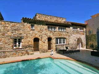 House in authentic hamlet in Golfe de Saint Tropez