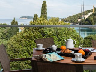 Lapad Beach Sea View Three Bedroom Apartment, Dubrovnik