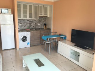 Lovely apartment close beach Playa de las Americas, Playa de Fanabe