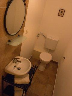 wc & handbasin