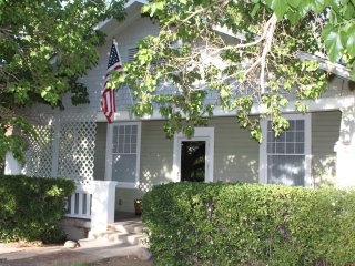 Private Home, Great Location, close to Riverwalk, Carlsbad