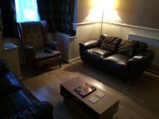 3 bed house near to main town, Newport