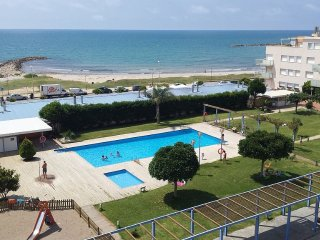 Wonderful Beachfront Apartment in a Resort, Cubelles