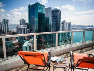 15% OFF PROMO - Luxury Waterfront Penthouse Loft in Upscale Brickell Complex