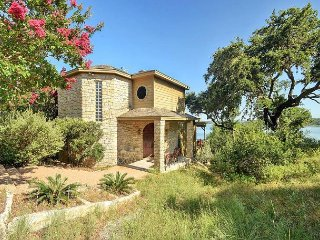 2BR, 2BA Serene Hill Country Home on Lake Travis with Hot Tub