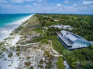 Luxury gulf front estate with pool WIFI & concierge, Captiva Island