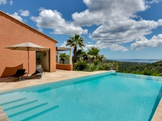 Sea view, space and modernity in Grimaud