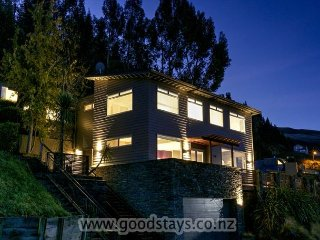Outstanding spacious home + apartment: views, decking, spa!