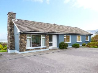 GURRANEBAWN, all ground floor, solid fuel stove, enclosed garden, in