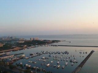 Manila Yachtclub: Top Wohnung im Admirals Baysuits