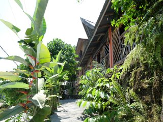 Toba Cats Garden, Home Wood with view of Lake Toba, Samosir Island