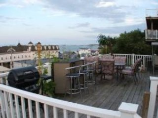 Boston Luxurious Direct Oceanview 4 Bed 2Bath Home