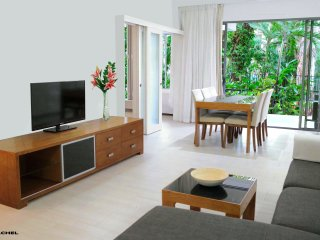 Palm Cove On The Beach  - Luxury Apartment