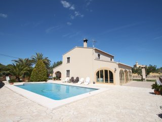 Finca Cantares - holiday home with private swimmin