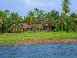 Vinca Lake House, Kumarakom, Kerala