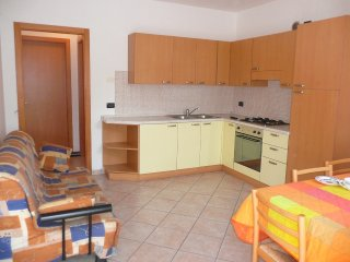 Very nice apartment in a small Villa with garden - 300mt from the beach
