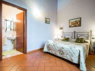 3 bedroom/ 2 bathroom apt in San Frediano/Firenze, Florença