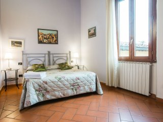 3 bedroom/ 2 bathroom apt in San Frediano/Firenze