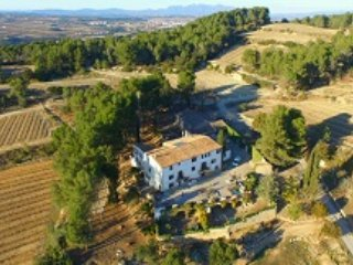 Casa Rural. Masia Can Mila de la Roca, location de vacances à Els Hostalets de Pierola