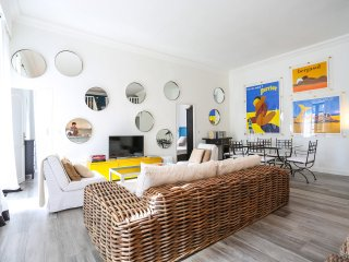 French elegance, 2 bed 3 bath, minutes from beach, Cannes