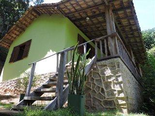 House Verde Musgo e Chale Branco Ponta Negra, Paraty