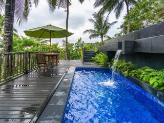 Three Bedroom Javanese Cottage with Seaview