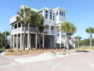 Happy Place - 6 bedroom house with shared pool, Cape San Blas