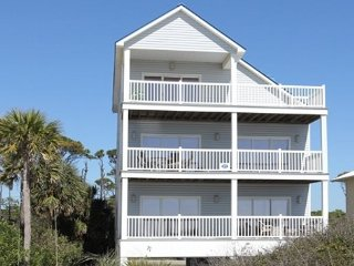 Gulf Front 5 Bedroom, 4.5 Bath Home, private pool, Sleeps 17, Cape San Blas