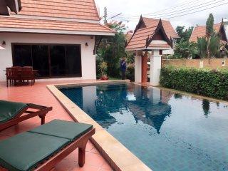 Pool Thai Villa, Phe