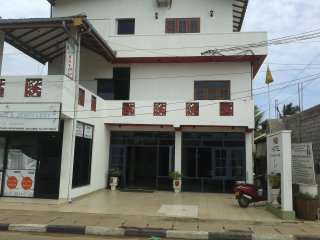 MB Hotel Double AC Room beach front location, Negombo
