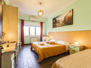 Comfy Ensuite bedroom minutes from central Rome