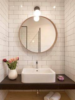 Bathroom 1 by Vanrays Homes