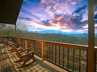 Amazing Mountain Views - 3 Bedroom Cabin