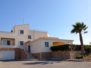 Villa with amazing view !! Close to city center but far from other homes!, Chania Town