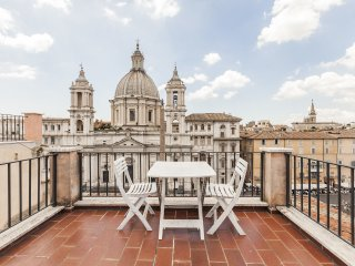 Penthouse studio Navona Sq., Love-Nest with terraces & stunning view, Wi-Fi, A/C