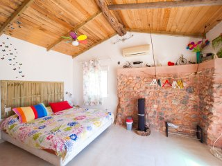 little cozy STUNNING CHEERFUL RUSTIC HOUSE with pool 10x5  WIFI  SEA, Santa Eulalia del Rio