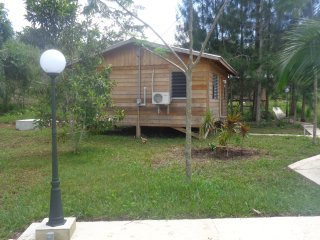 2 Bedroom Cabin, Faith's Farm, Teakettle Village, ATM Cave Gateway