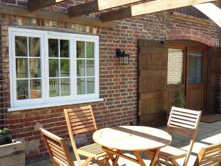 Oat cottage in converted granary barn, Chiddingly