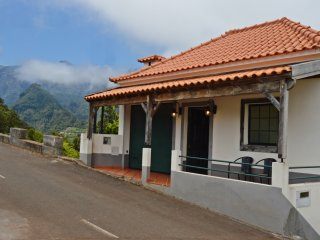 Chalet Pinheiro sleeps up to 6 people.