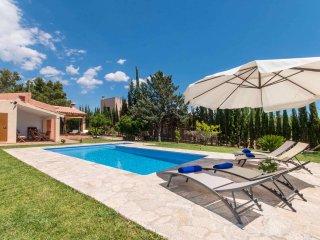 Quiet Mallorcan Finca Tennis Pool, Lloseta