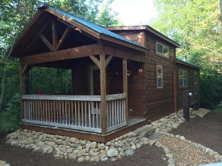 Little River Retreat - New Tiny Cabin, Mentone