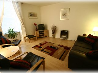 Edinburgh Central Old Town lovely 1 bed apartment